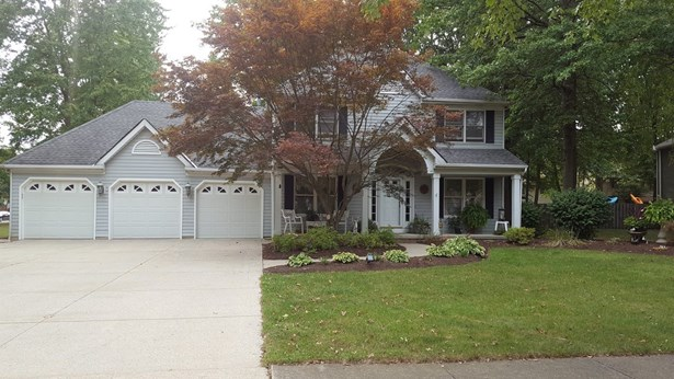 8396 Old Post Rd, Olmsted Falls, OH - USA (photo 1)
