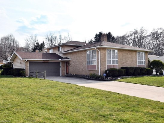 28703 Tudor Dr, North Olmsted, OH - USA (photo 1)
