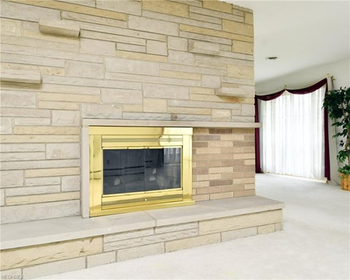 28703 Tudor Dr, North Olmsted, OH - USA (photo 4)