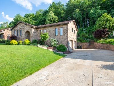 110 Oakwood, Jefferson Hills, PA - USA (photo 2)