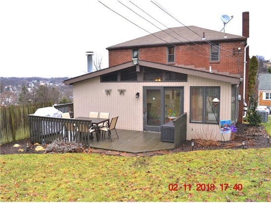 1043 Thornwood Dr., Castle Shannon, PA - USA (photo 3)