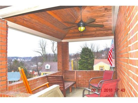 1043 Thornwood Dr., Castle Shannon, PA - USA (photo 4)