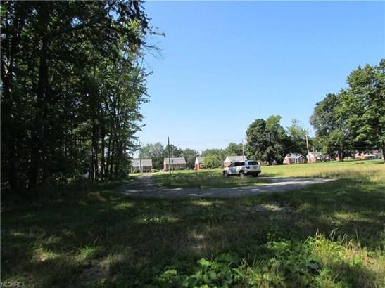 29500 Ridge Rd, Wickliffe, OH - USA (photo 2)