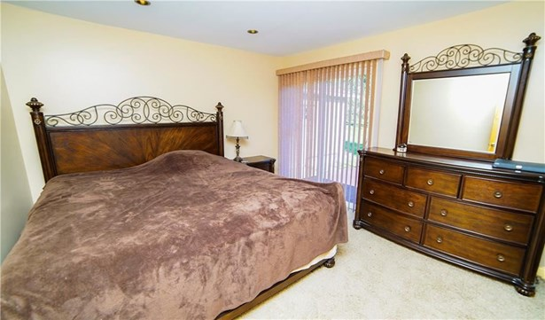 305 Valley Dr, Rochester, PA - USA (photo 5)