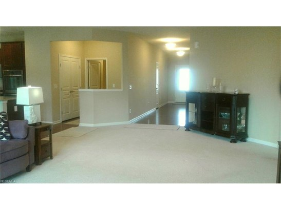 20518 N Greystone Dr, Strongsville, OH - USA (photo 3)