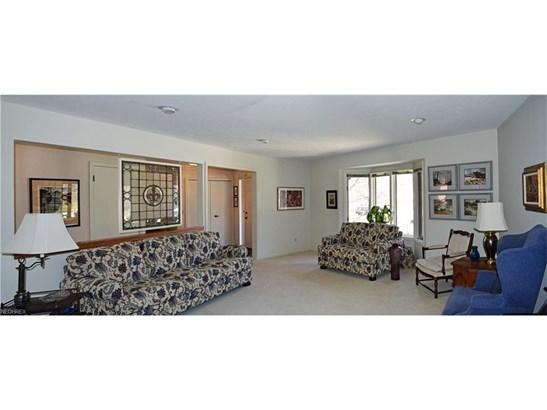 504 Sandhurst Dr, Highland Heights, OH - USA (photo 5)