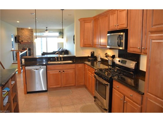 3032 Whispering Shores, Vermilion, OH - USA (photo 3)