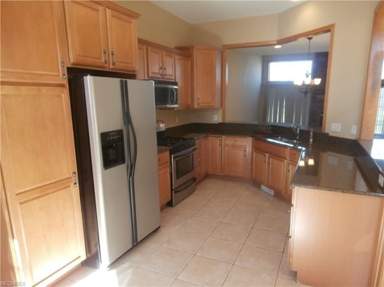 443 Dunbar Ln, Highland Heights, OH - USA (photo 4)