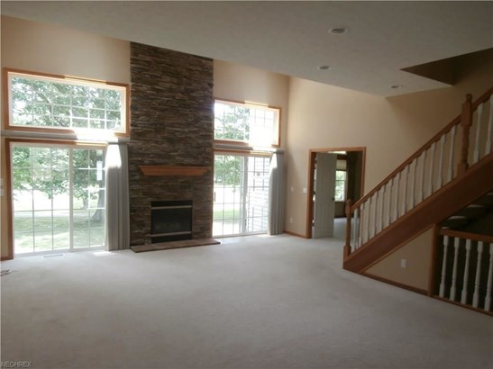 443 Dunbar Ln, Highland Heights, OH - USA (photo 5)