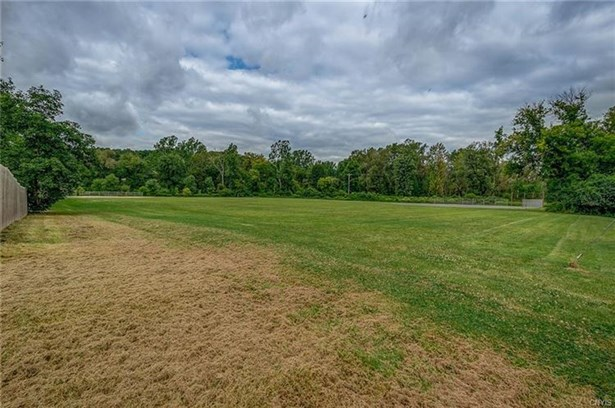 13 Meadow Lane, Camillus, NY - USA (photo 2)