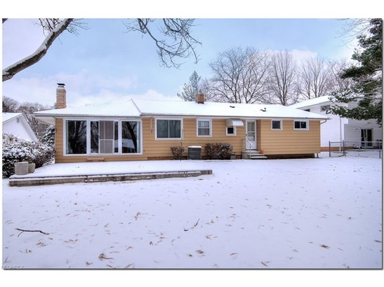 1064 Rose Blvd, Highland Heights, OH - USA (photo 4)
