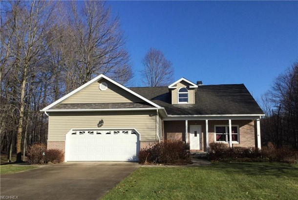 8209 Clover Ln, Garrettsville, OH - USA (photo 1)