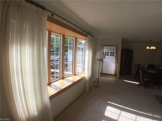 6449 Fairhaven Rd, Mayfield Heights, OH - USA (photo 3)