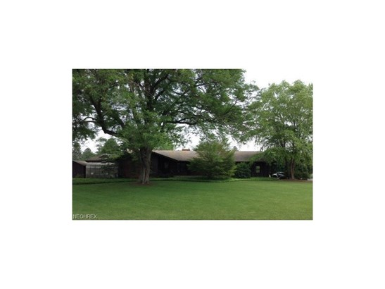 1200 Palmetto Dr, Hubbard, OH - USA (photo 1)