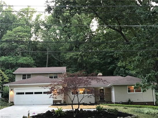 6014 Crossview Rd, Seven Hills, OH - USA (photo 3)
