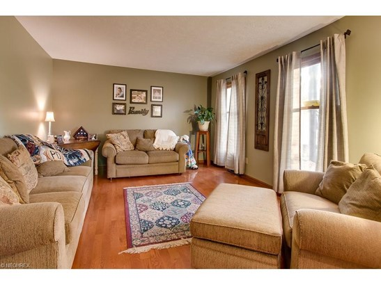 6919 Appleton Ct, Mentor, OH - USA (photo 2)