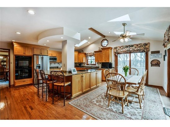 2515 Lindenwood Dr, Franklin Park, PA - USA (photo 2)