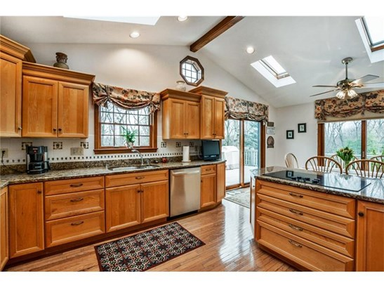 2515 Lindenwood Dr, Franklin Park, PA - USA (photo 4)