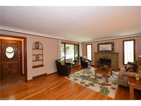 19745 Henry Rd, Fairview Park, OH - USA (photo 5)