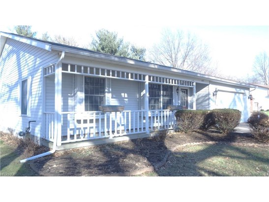 8675 Old Village Ln, Mentor, OH - USA (photo 1)