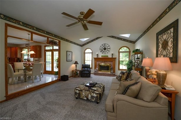 386 High Point Dr, Wadsworth, OH - USA (photo 2)