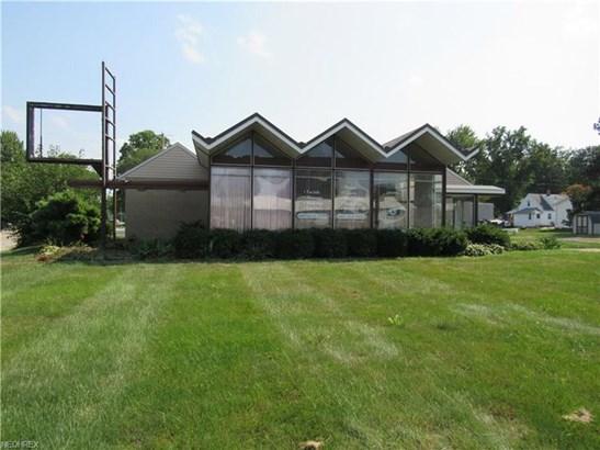 6916 Lake Ave, Elyria, OH - USA (photo 1)