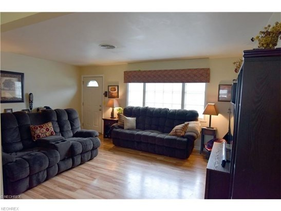 542 Pierce Dr, Youngstown, OH - USA (photo 5)