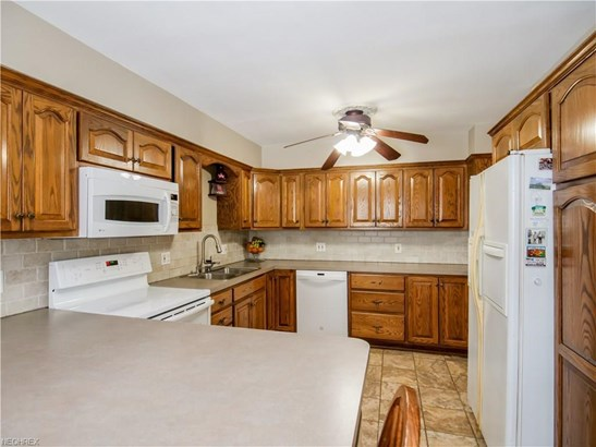 4590 Concord Dr, Fairview Park, OH - USA (photo 3)