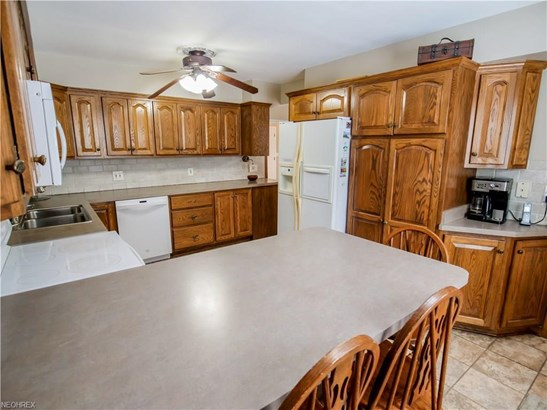 4590 Concord Dr, Fairview Park, OH - USA (photo 4)
