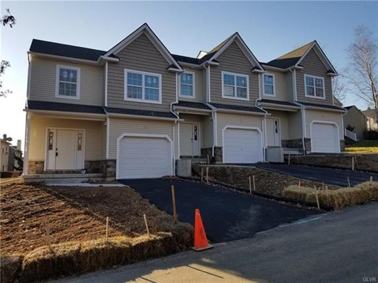 8307 Willow Run Road, Fogelsville, PA - USA (photo 1)