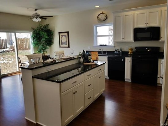 8307 Willow Run Road, Fogelsville, PA - USA (photo 2)