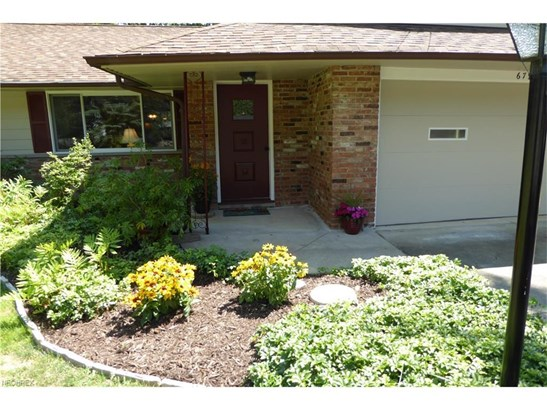 6798 Meadowood Dr, Mayfield Village, OH - USA (photo 2)