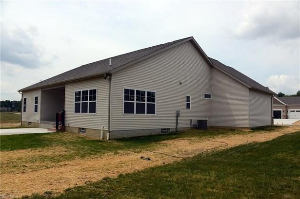2638 Carlton Nw St, North Canton, OH - USA (photo 2)
