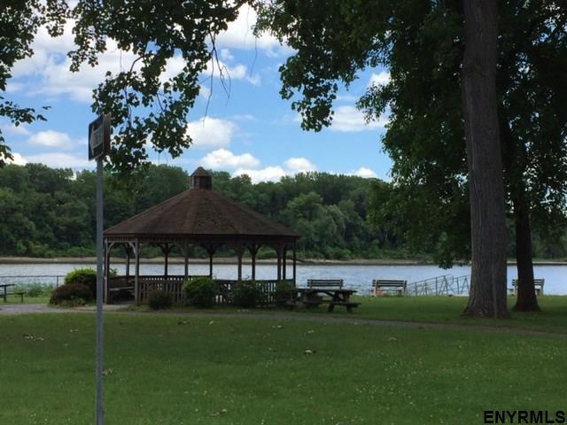 9 Cedar Dr, Selkirk, NY - USA (photo 4)