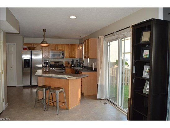 8571 Lynhurst Dr, Olmsted Township, OH - USA (photo 5)