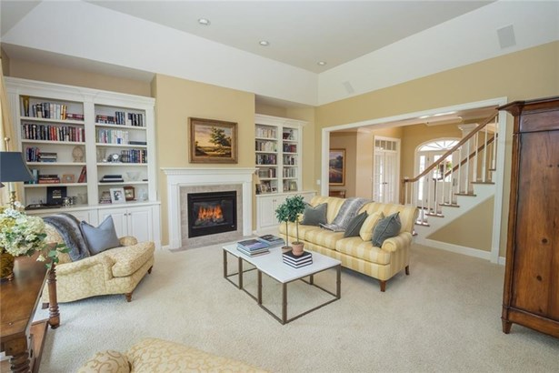 4 Grandhill Way, Pittsford, NY - USA (photo 2)