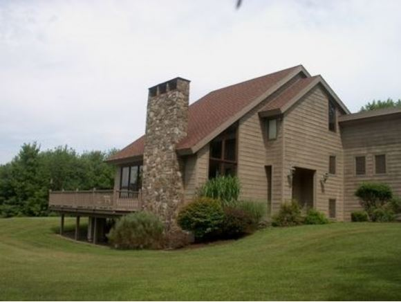 225 Meeker Road, Vestal, NY - USA (photo 2)