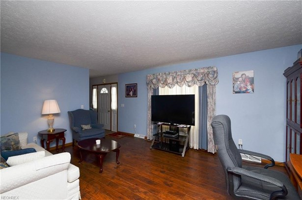 1350 Abbe S Rd, Elyria, OH - USA (photo 4)