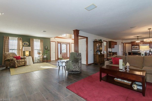 11605 Olde Stone Ct, Concord, OH - USA (photo 5)