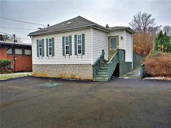 1422 Lincoln Way, White Oak, PA - USA (photo 1)