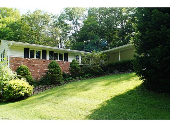 8807 Ranch Dr, Chesterland, OH - USA (photo 1)