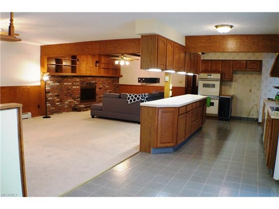 8807 Ranch Dr, Chesterland, OH - USA (photo 2)