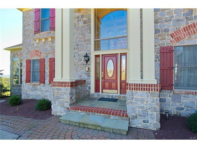 454 Saint James Court, Nazareth, PA - USA (photo 3)
