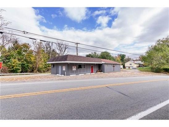6497 National Pike, Brier Hill, PA - USA (photo 2)