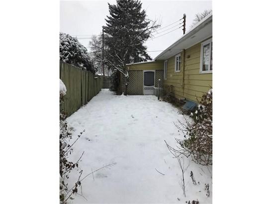 614 E Shafer Ave, Dover, OH - USA (photo 4)