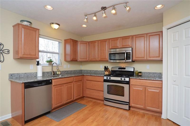 227 Grace Manor, Carpolis, PA - USA (photo 4)