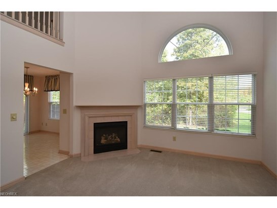 7148 Lilac Ct 102b, North Olmsted, OH - USA (photo 2)