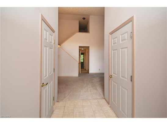 7148 Lilac Ct 102b, North Olmsted, OH - USA (photo 5)