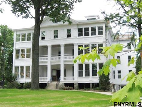 45 Greenfield Av, Saratoga Springs, NY - USA (photo 1)