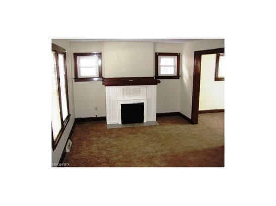 1362 Forest Glen Dr, Cuyahoga Falls, OH - USA (photo 2)